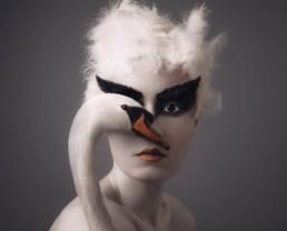 Flora Borsi: Mundos Surrealistas
