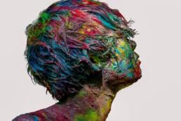 Shintaku Kanako_Cuerpos desnudos saturados de color